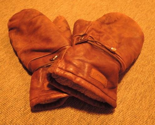 Upphittade handskar